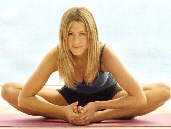 jennifer-aniston-yoga-body-939599370.jpg